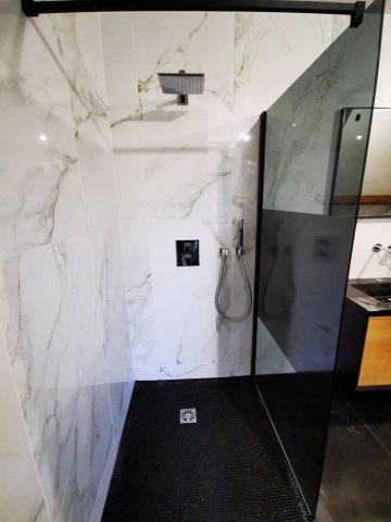 Aménagement et rénovation de salle de bains sur mesure à Neuilly-sur-Seine